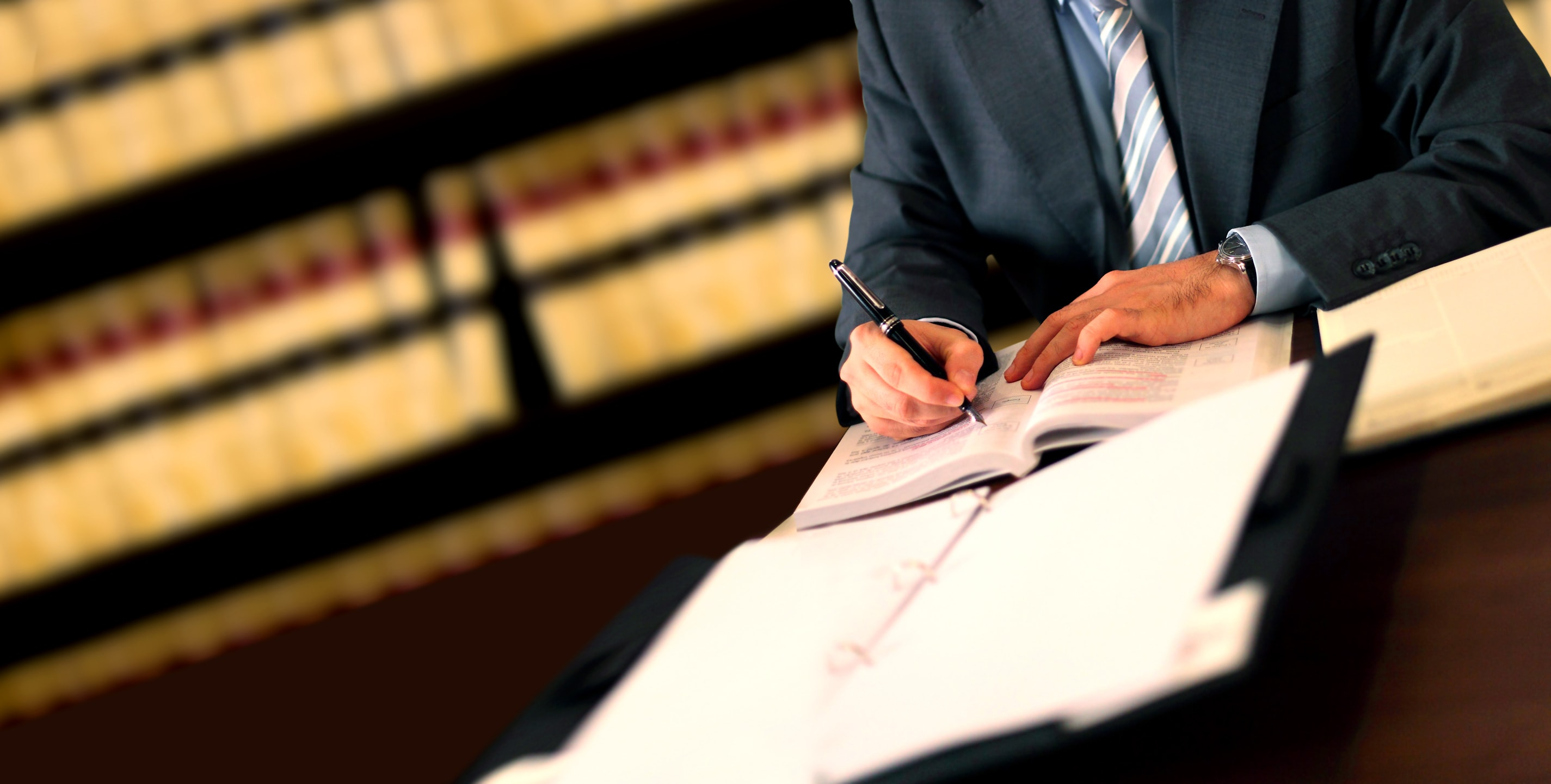 business-litigation-lawyers